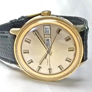 Vintage Timex Mechanical Watch Day Date 34mm